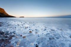 Saltwick海湾在Whitby 库存图片