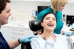 ¡Salud en una sonrisa! fotos de archivo libres de regalías