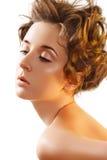 Salud y maquillaje. Belleza con el peinado rizado Imagen de archivo