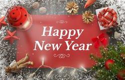 Saludo de la Feliz Año Nuevo con el árbol de navidad, regalo, decoraciones Foto de archivo