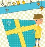Saludo del cumpleaños con el muchacho y el regalo Imágenes de archivo libres de regalías