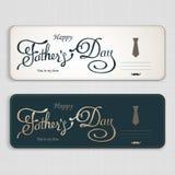 Saludo feliz del día de padres Tarjeta de letras Vector el fondo con las corbatas, la corbata de lazo y los vidrios del garabato libre illustration