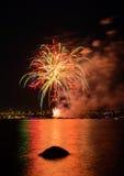 Saludo, fuegos artificiales hermosos Imagen de archivo
