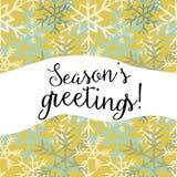 Saludos del ` s de la estación Vector el ejemplo de los copos de nieve blancos y azules en fondo amarillo Foto de archivo libre de regalías