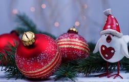 Saludos del ` s de Navidad y del Año Nuevo con el símbolo 2017 imagen de archivo libre de regalías