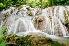 Saluopa vattenfall i Tentena Royaltyfria Foton