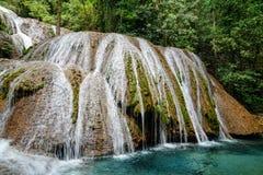 Saluopa vattenfall i Tentena Arkivfoto