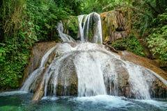 Saluopa-Wasserfall in Tentena Stockfotos