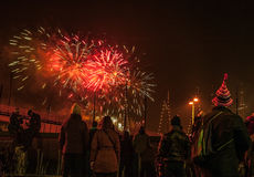 Salut de fête des feux d'artifice la nuit de nouvelle année Le 1er janvier 2016 à Amsterdam - Netherland Photographie stock