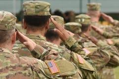 Salut de soldat des USA L'armée américain Troupes des USA Militaire des Etats-Unis photos stock