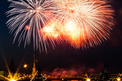 Salut, feux d'artifice Photo stock