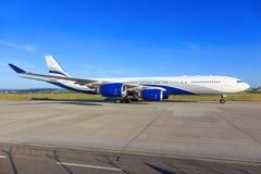 Salut mouche A340 Photographie stock libre de droits