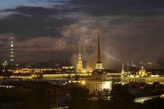 Salut na cześć marynarka wojenna dzień w Petersburg Fotografia Stock