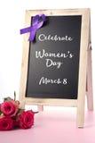 Salutation de panneau du jour de préavis des femmes internationales Image libre de droits