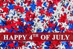 Salutation heureuse de Jour de la Déclaration d'Indépendance avec des étoiles Photos stock