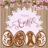 Salutation heureuse de Pâques, pain d'épice sous forme d'oeufs Vacances de ressort, fond de Pâques Photo libre de droits