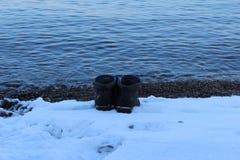 Salute che ottenete da nuoto nell'inverno immagine stock libera da diritti