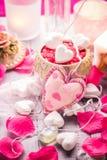 Salute del corpo di amore del cuore di giorno di biglietti di S. Valentino della composizione nella stazione termale Fotografia Stock