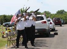 saluto di pistola 21, cimitero della città di Sallisaw, Memorial Day, il 29 maggio 2017 Immagine Stock