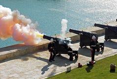 Salutować baterię w Valletta Zdjęcia Royalty Free