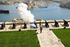 Salutować Lascaris baterię w Valletta, kapitał Malta Zdjęcie Royalty Free