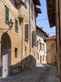 Saluzzo, Piemonte, Italia, città storica fotografia stock libera da diritti