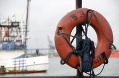Salvación con las naves en el fondo Foto de archivo libre de regalías
