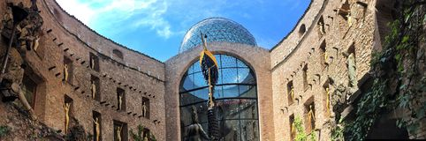 Salvador Dali Museum in Figueres stockfotos