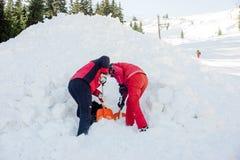 Salvadores no serviço de salvamento da montanha Fotografia de Stock Royalty Free