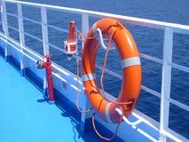 Salvagente arancio luminoso sulla barca del ferr Fotografia Stock Libera da Diritti