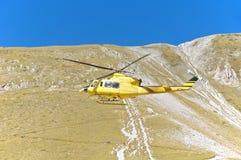 Salvamento por helicóptero, Campo Imperatore, Gran Sasso, Itália Imagens de Stock