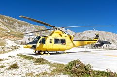 Salvamento por helicóptero, Campo Imperatore, Gran Sasso, Itália Foto de Stock Royalty Free