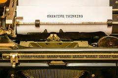 SALVAR A DATA - escrita na máquina de escrever velha imagens de stock