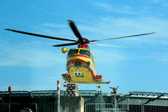 Salvataggio di elicottero Pegaso di italiano 118 Fotografia Stock Libera da Diritti
