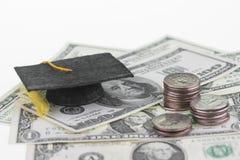 Salvataggio il ogni singolo dollaro e centesimo per istruzione superiore Fotografie Stock Libere da Diritti