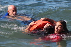 Salvataggio in mare con i cani Fotografie Stock Libere da Diritti
