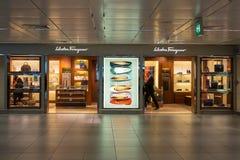 Salvatore Ferragamo sklep przy Fiumicino lotniskiem w Rzym Zdjęcie Stock