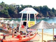 Salvavidas, playa de Achladia, Skiathos imagen de archivo