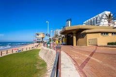 Salvavidas Tourism Town de los hoteles de la playa Foto de archivo libre de regalías