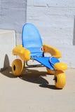 Salvi gli scaffali con le ampie ruote per la spiaggia Fotografie Stock