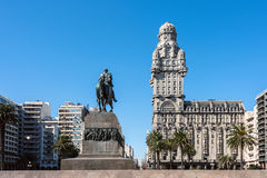 Salvo Palace on the Independence Square, Montevideo, Uruguay Royalty Free Stock Photos