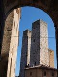 Salvucci bliźniacze wieże, San Gimignano, Włochy zdjęcia stock