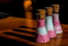 Salz in den Flaschen Stockfotos