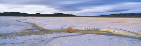 Salz-Ebenen bei Sonnenuntergang, Weg 50, Nevada Stockfotografie