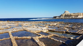 Salz sperrt Gozo-Insel ein Stockfotos