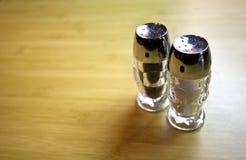 Salz-und Pfeffer-Rüttler stockfoto