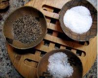 Salz-und Pfeffer-Schüsseln Lizenzfreie Stockfotos
