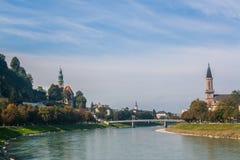 Salzach-Fluss in Salzburg, Österreich Lizenzfreies Stockfoto
