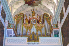 Salzburg Österrike - Maj 01, 2017: HelgonPeter Abbey Church inre Grundat i 696 är den ansedd av det äldst Royaltyfria Foton