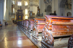 Salzburg Österrike - Maj 01, 2017: Inre av den Salzburg domkyrkan - detaljer Arkivfoto